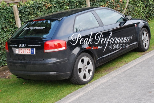 Belettering wagenpark Peak performance
